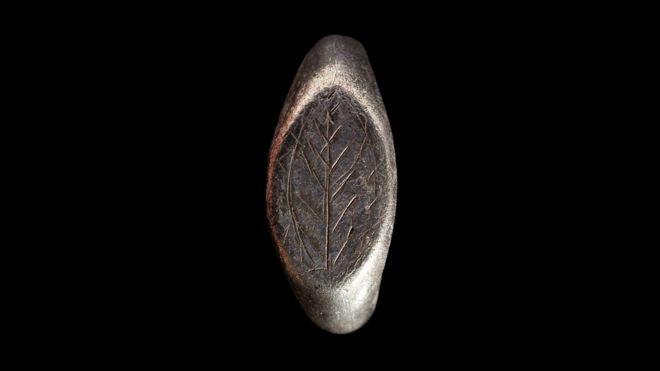 Еще один способ конфискации золота и серебра: назовите их «сокровищами»